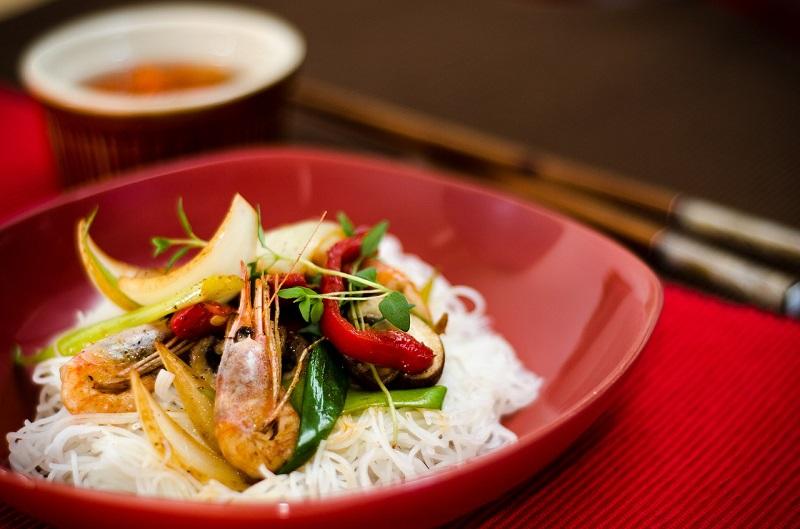hoeveel gram ongekookte rijst per persoon