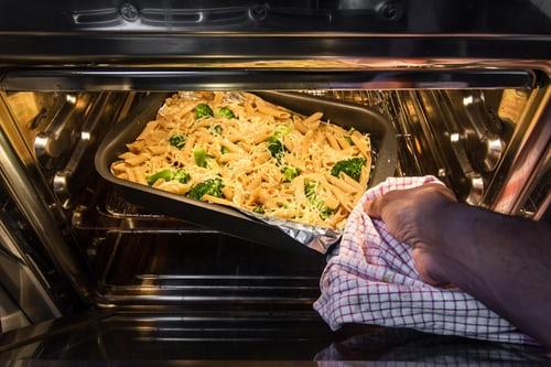 Kan ik lasagne nog opwarmen?
